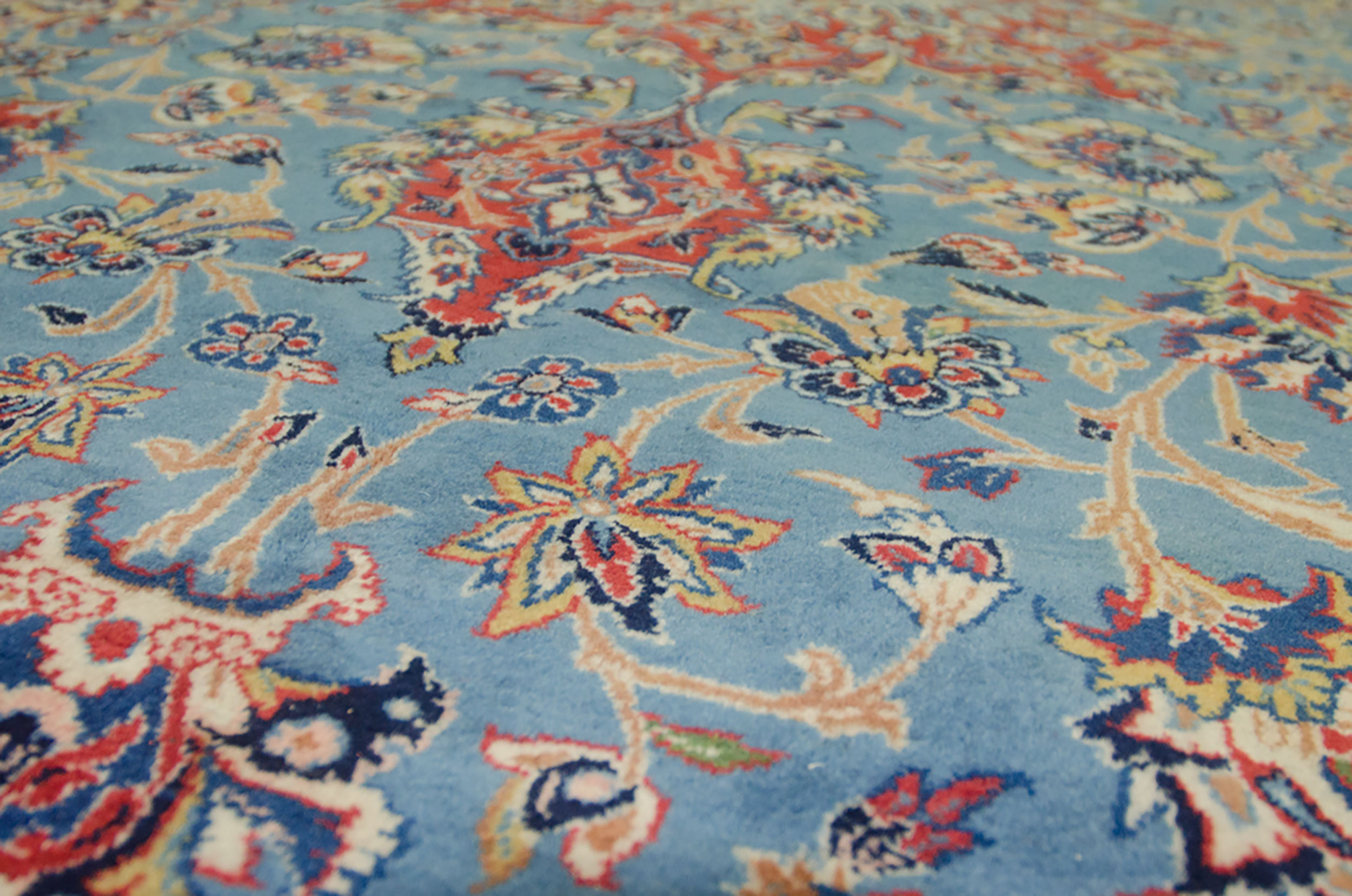 Vintage Isfehan Carpet 330x215cm
