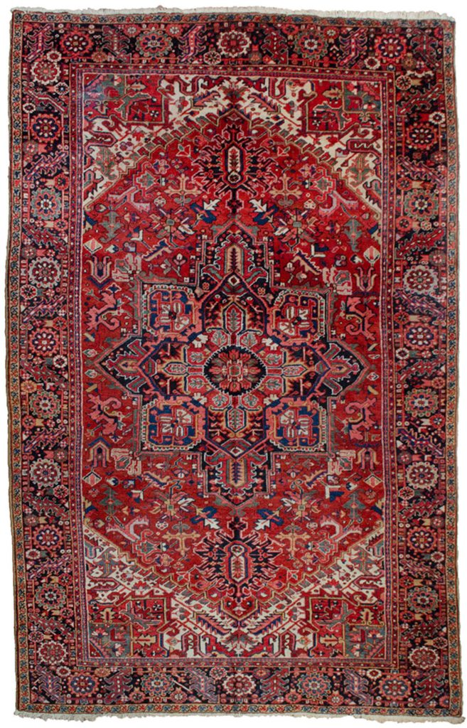 Antique Heriz Carpet 353x253cm