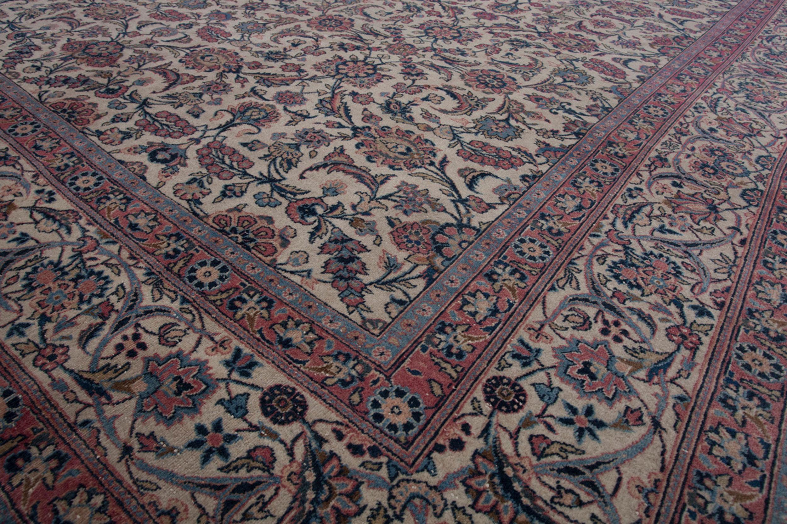Antique Kashan Carpet 304x218cm