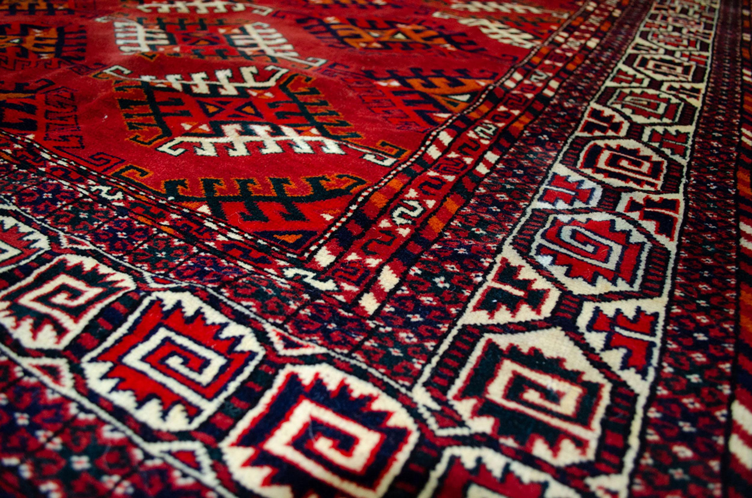 Old Yamoud Carpet 272x183cm