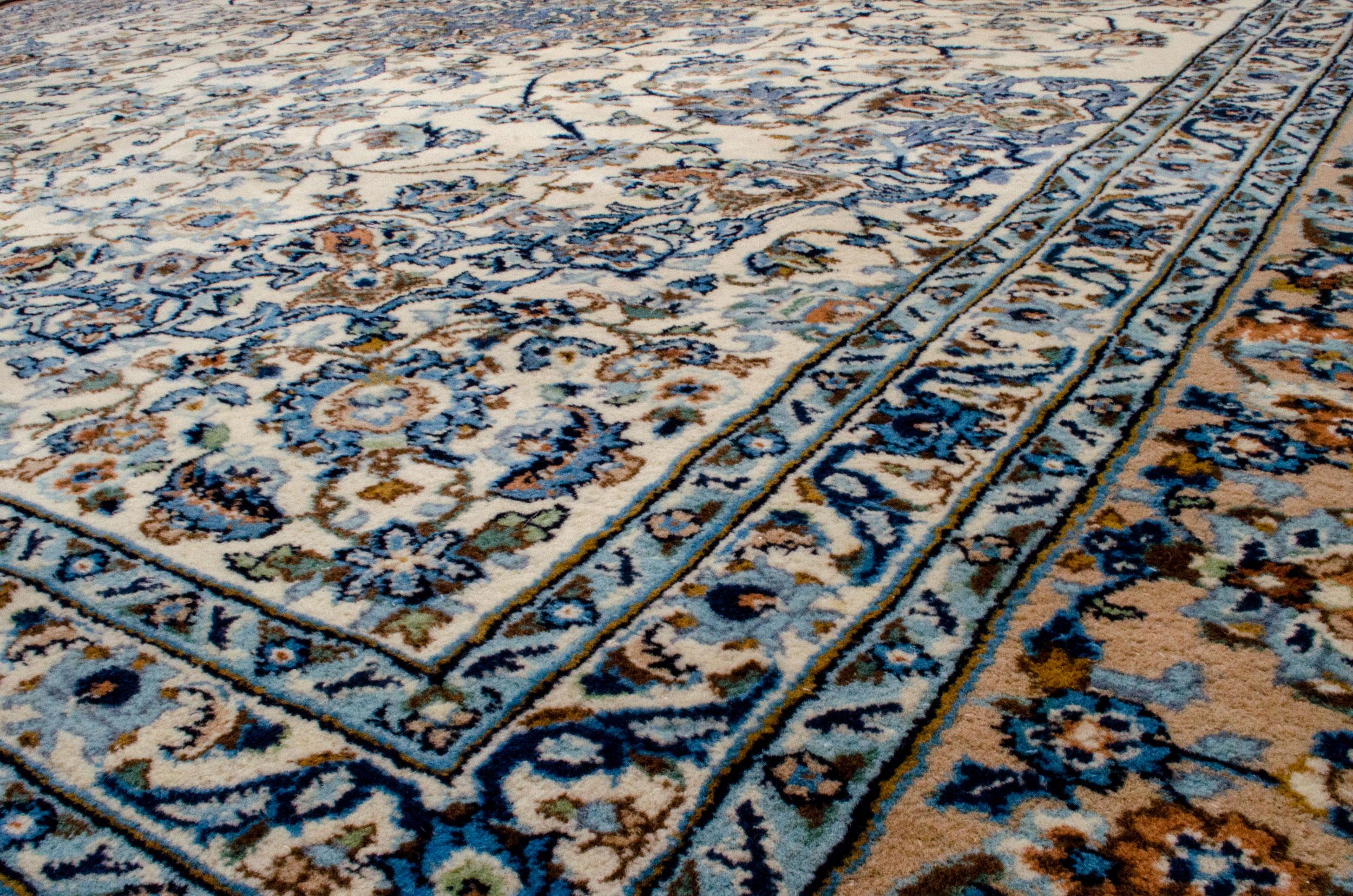Vintage Najafabad Carpet 354x287cm