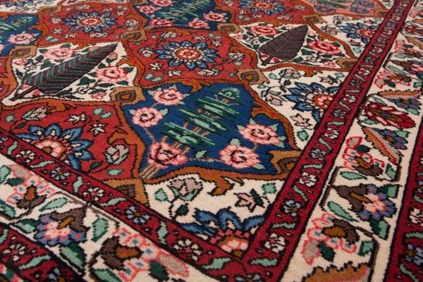 Vintage Bakhtiar Rug 151x110cm