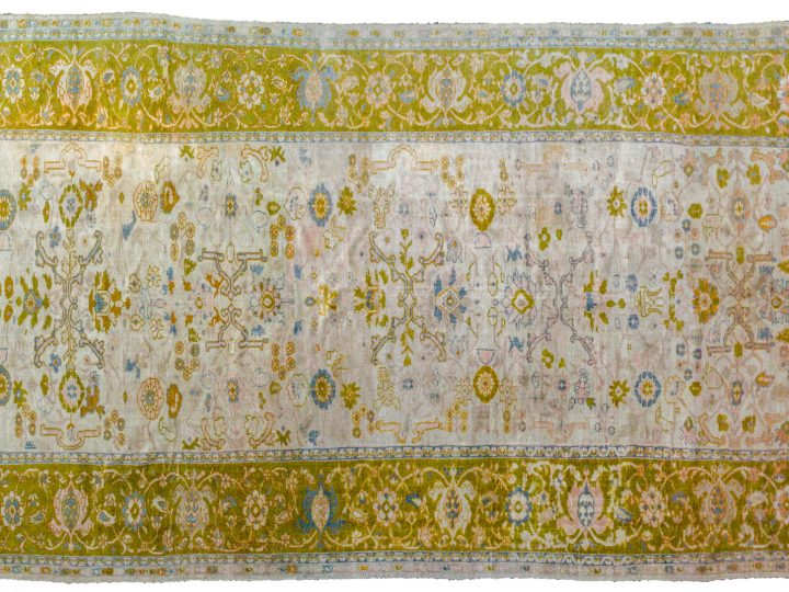 WHAT MAKES A RUG ANITQUE